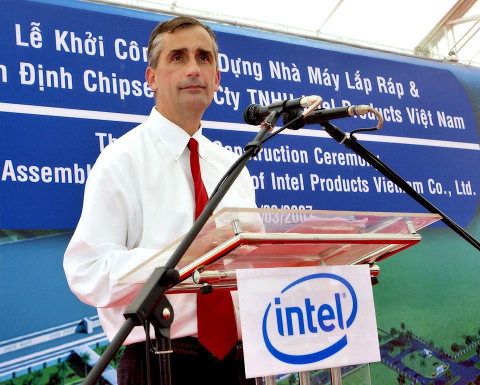 Intel taps COO Krzanich as chipmaker's next CEO
