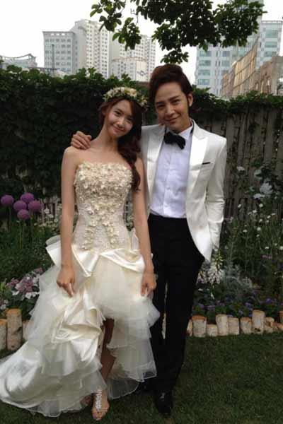 Jang Keun Suk Tweets Photo From His Wedding to Yoona
