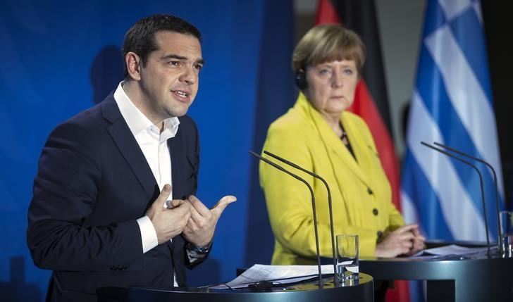 German Chancellor, Greek PM agree to stay in touch to reach debt deal