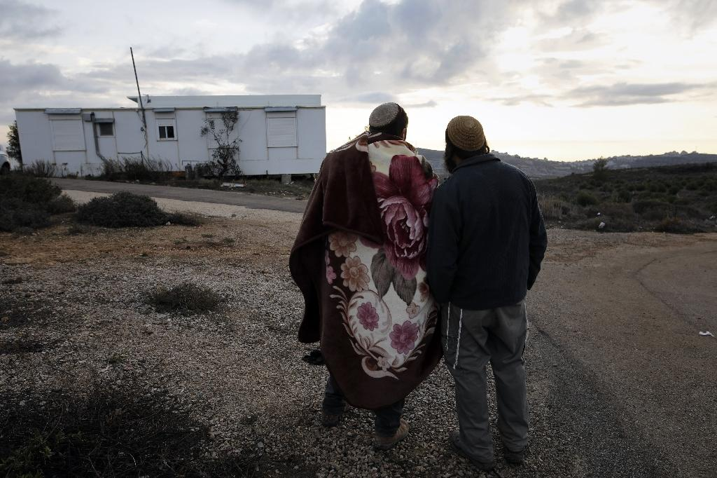Deal to remove Israeli outpost in West Bank in jeopardy
