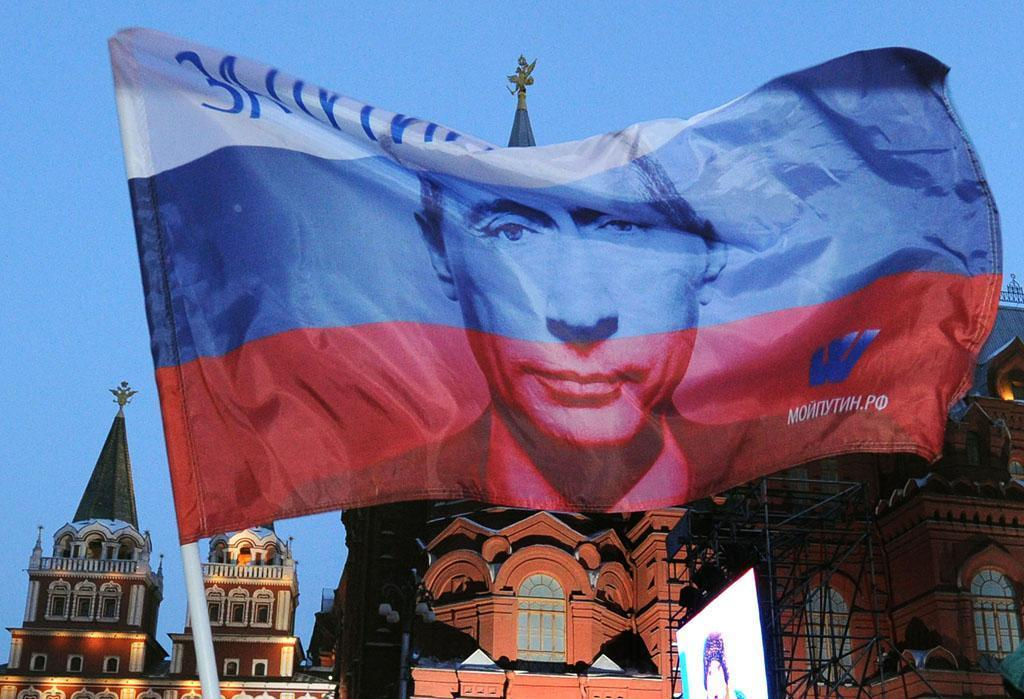 Faced with ban, tech giants stay silent over Russia censorship laws