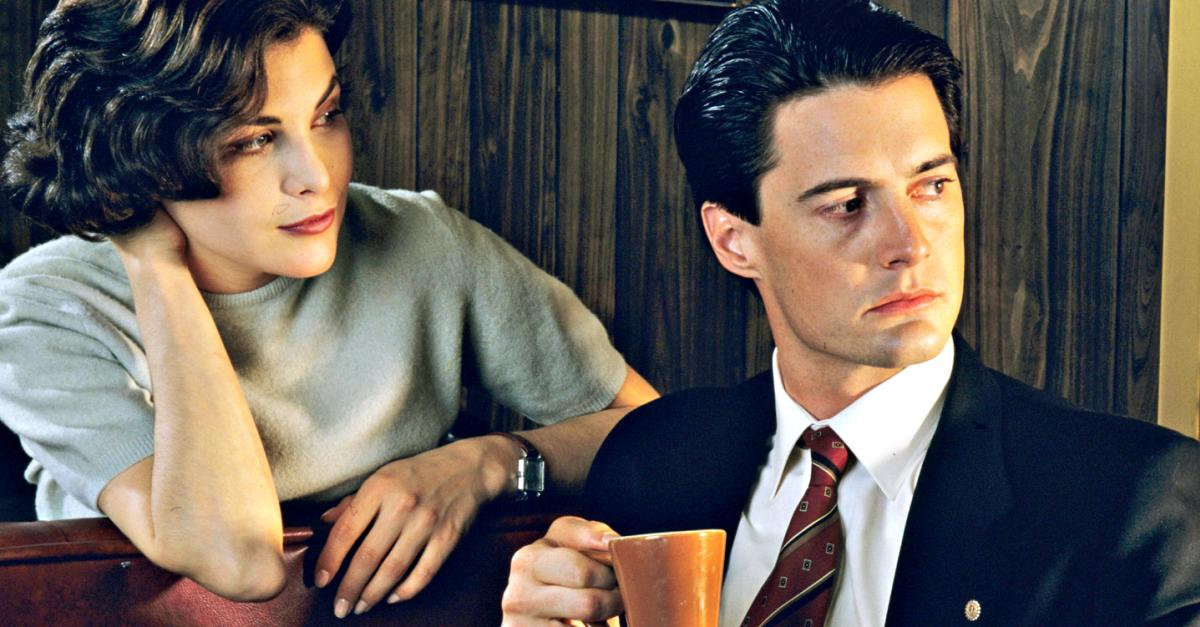 """Why Fans Love """"Twin Peaks"""" So Much"""