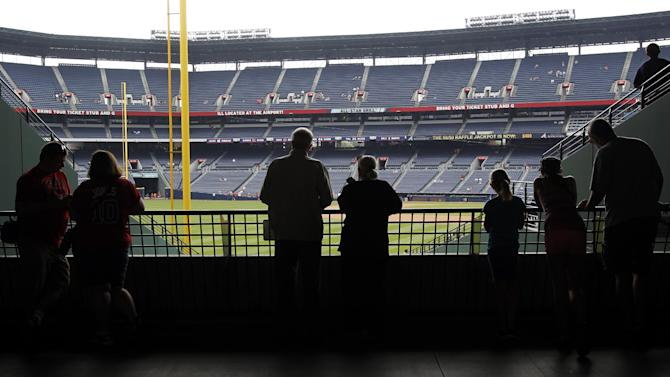 Fatal fall at Atlanta's Turner Field ruled suicide