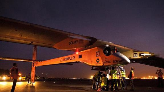 Solar-Powered Plane Set to Begin Historic Cross-Country Flight Friday