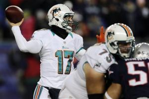 Brady's 2 TD passes lead Pats over Dolphins 28-0