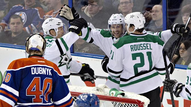 Lehtonen stops 22 shots as Stars beat Oilers 3-0