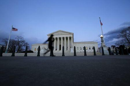 Supreme Court vacancy upends presidential race