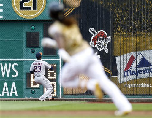 Astros edge Pirates 4-2 in 11 innings