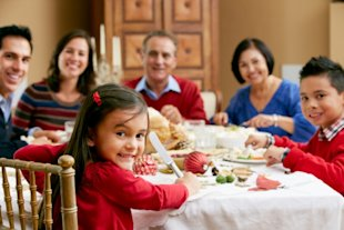 3 Ways to Keep Kids Entertained at the Holiday Table