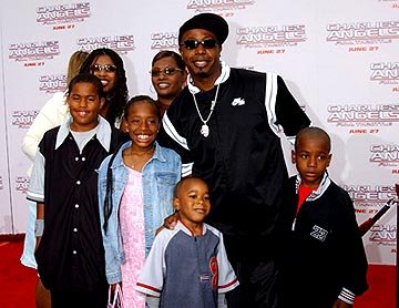 Premiere: M.C. Hammer and family at the LA premiere of Columbia's Charlie's Angels: Full Throttle - 6/18/2003