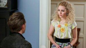 'Carrie Diaries' Boss Answers Finale's Biggest Questions and Talks Season 2