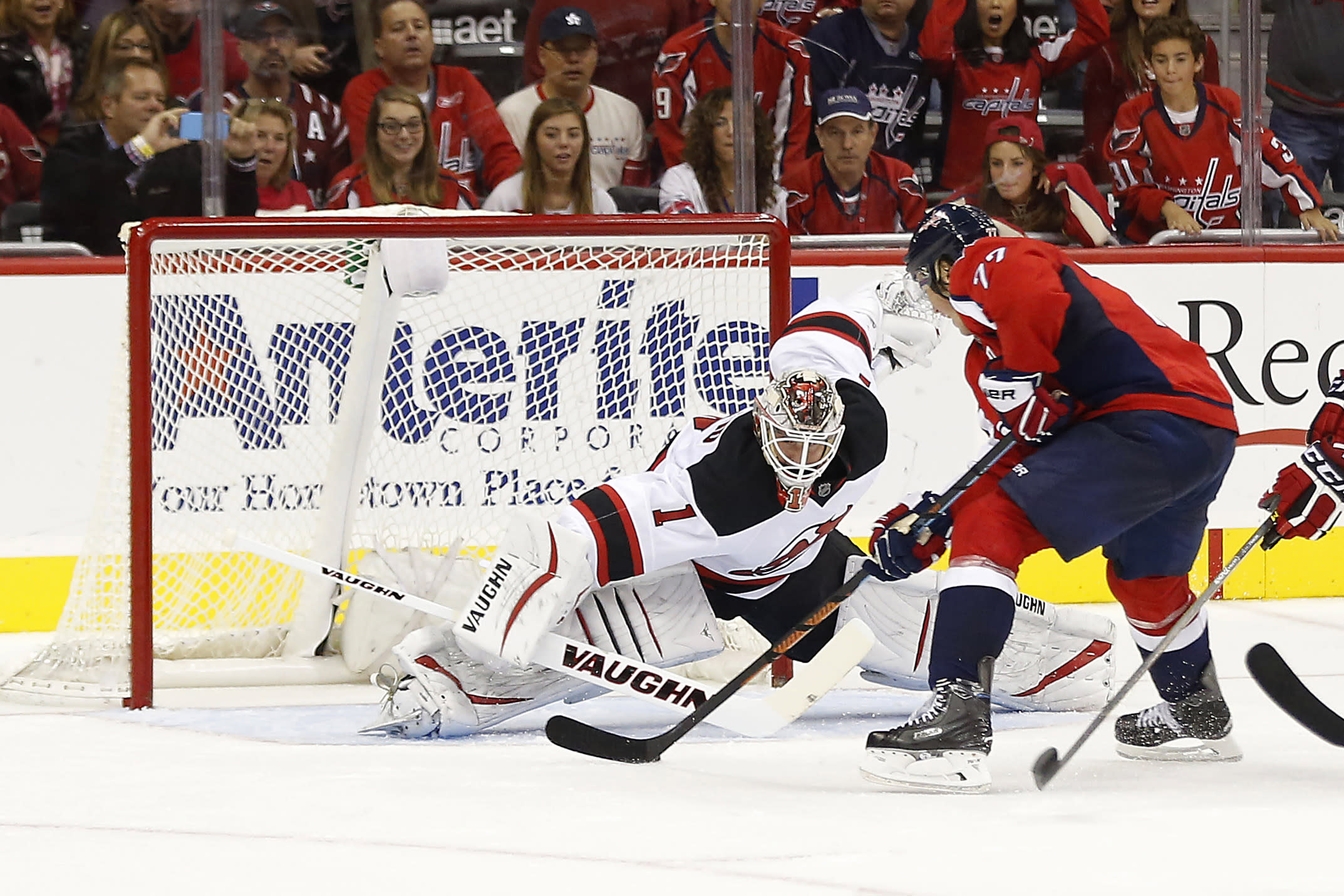 When is the right time to pull a goaltender?