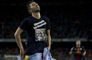 Barcelona&#39;s Villa slapped with fine for T-shirt message in rout of Real Sociedad
