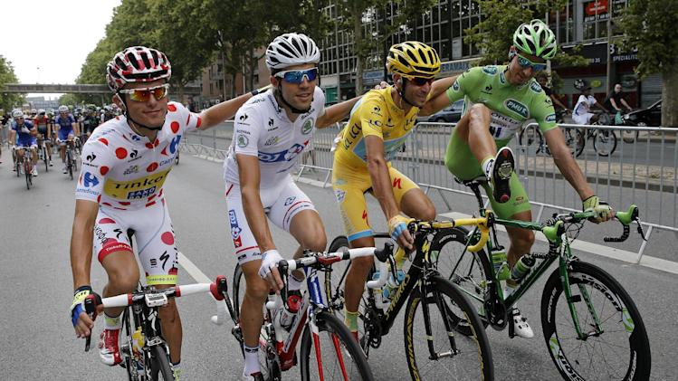 Italy's Vincenzo Nibali wins Tour de France