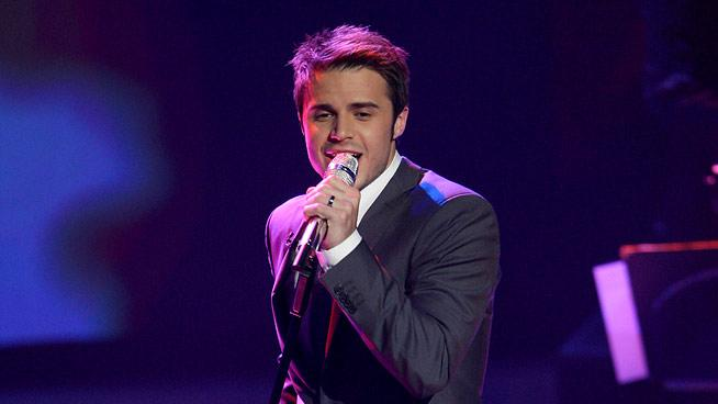 "Kris Allen performs Rat Pack Standard ""The Way You Look Tonight"" on ""American Idol."""