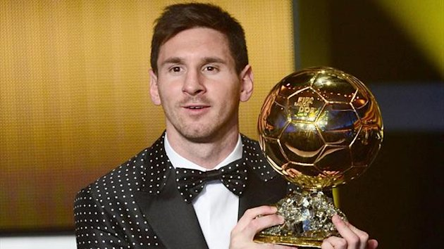 FIFA Ballon d&#39;Or award winner Barcelona&#39;s Argentinian forward Lionel Messi poses with his trophy after the FIFA Ballon d&#39;Or awards ceremony at the Kongresshaus in Zurich
