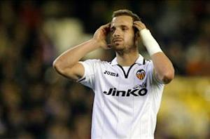 Tottenham agrees 30 million euro Soldado deal