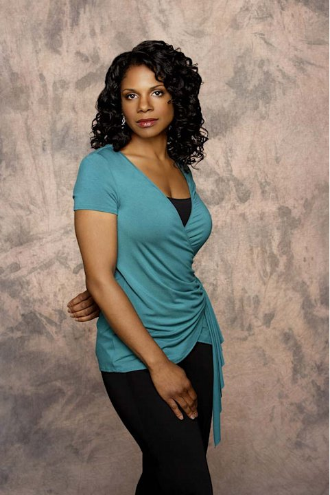 Audra McDonald stars as Dr. Naomi Bennett in Private Practice.