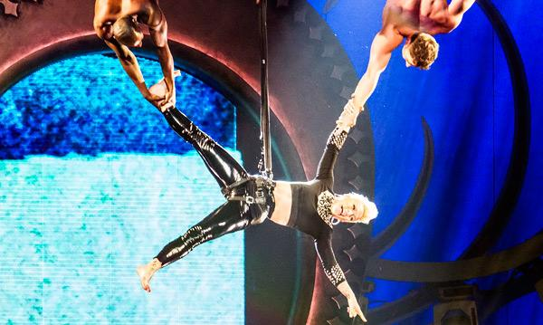 Pink Dazzles Staples Center Crowd With Stagecraft and Attitude