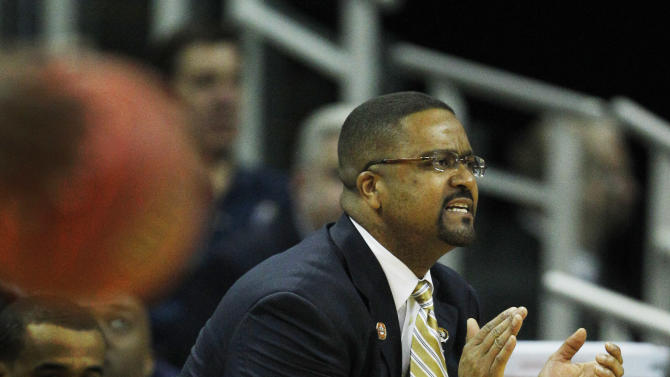 Missouri coach Frank Haith directs his team during the first half of an NCAA college basketball game against Texas in the Big 12 Conference tournament, Friday, March 9, 2012, in Kansas City, Mo. (AP Photo/Orlin Wagner)