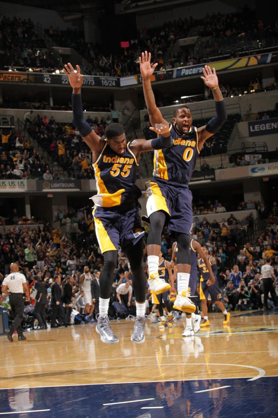 Pacers get back in playoff chase with 104-99 win over Dallas