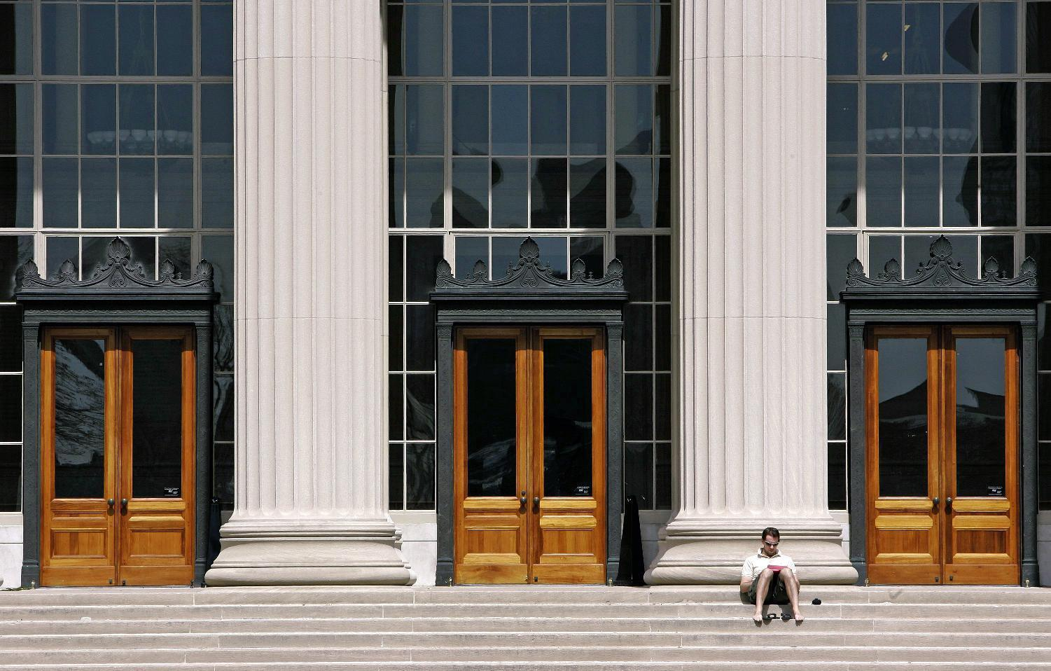 For 1st time, MIT's free online classes can lead to degree