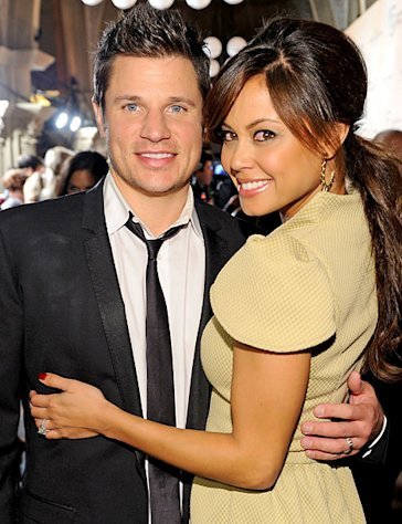 Vanessa Minnillo, Nick Lachey Welcome Son Camden John!