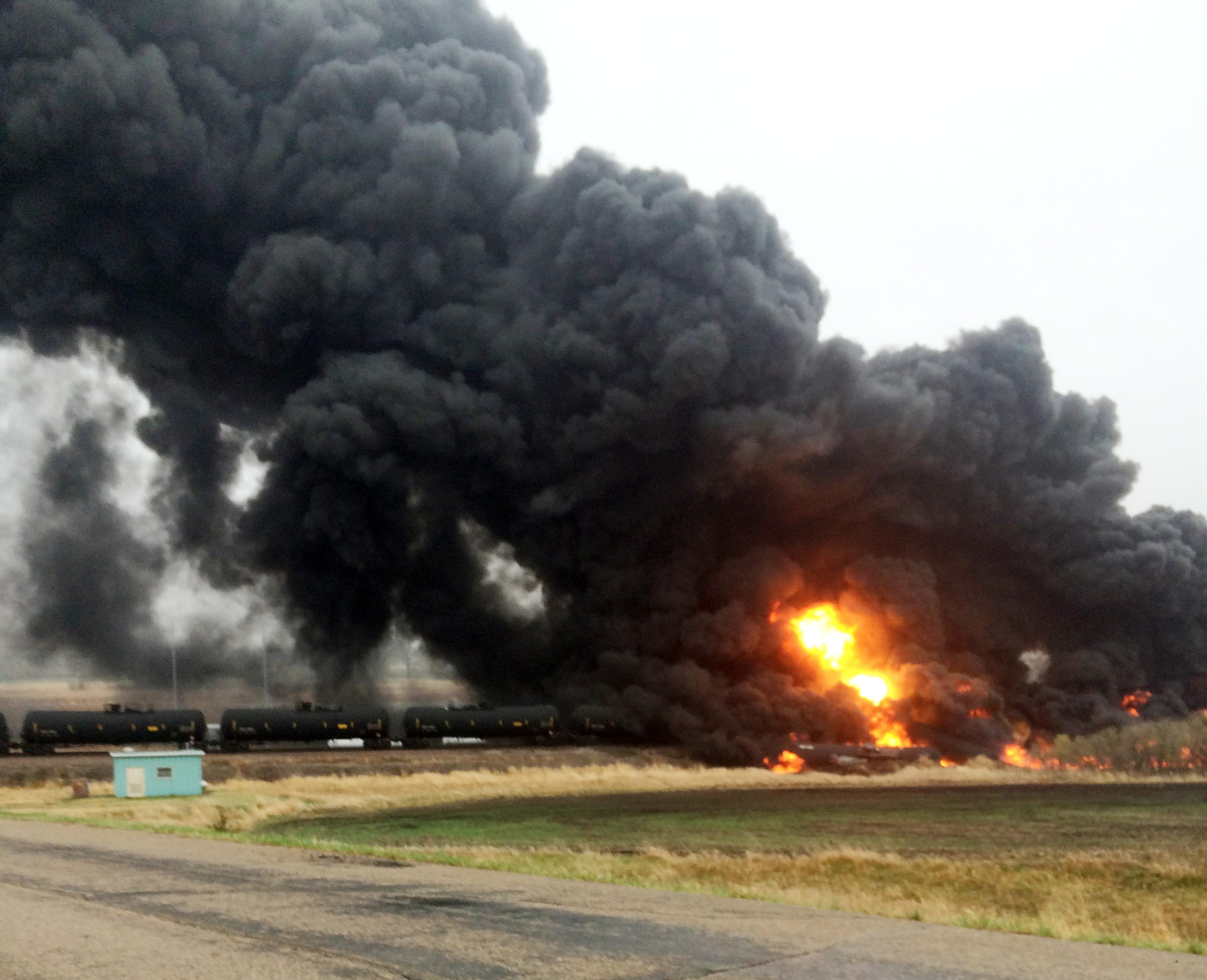 Oil train derailment prompts evacuation in North Dakota town