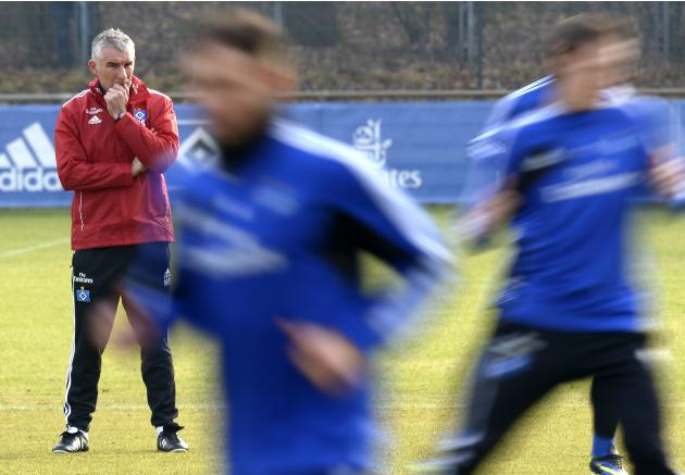 Hamburg SV's new coach Mirko Slomka attends his first practice in Hamburg