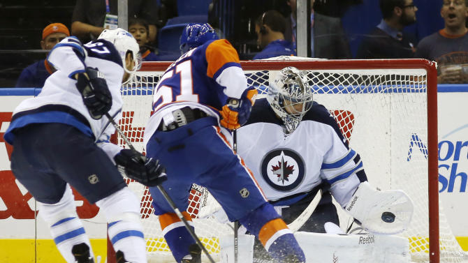 Ladd's 2 goals lift Jets over Islanders 4-3