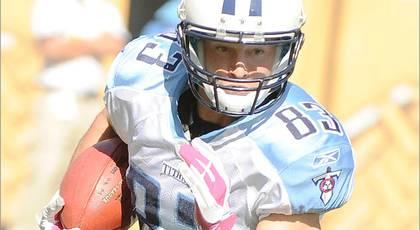Titans release 11; place Mariani on I.R