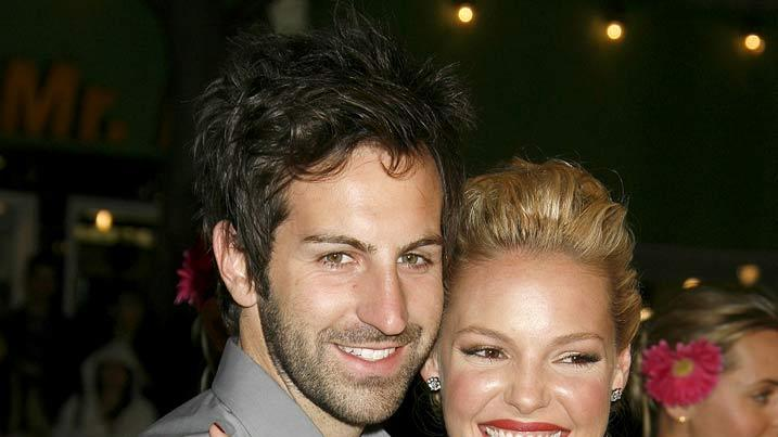 "Josh Kelley and Katherine Heigl arrive at the premiere of ""27 Dresses."""