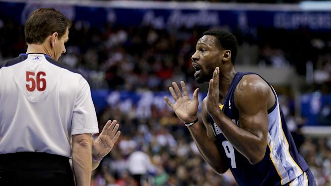 NBA suspends G Tony Allen 1 game for kicking Paul