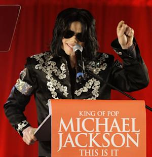 """FILE - In this March 5, 2009 file photo, Michael Jackson announces several concerts at the London O2 Arena in July, at a press conference at the London O2 Arena. Emails displayed in a Los Angeles courtroom on Wednesday, May 22, 2013, show that a lawyer for AEG Live LLC's parent company described Jackson as a """"freak"""" in an email message on the same day the singer signed a multimillion dollar contract to perform a series of comeback concerts in 2009. (AP Photo/Joel Ryan, file)"""