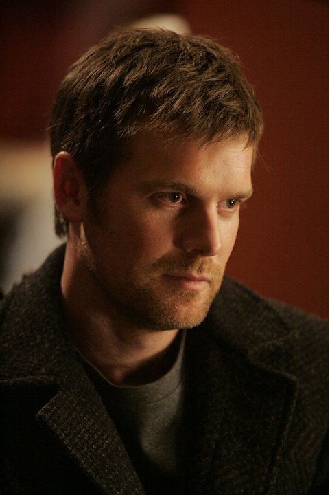 Peter Krause as Joe Miller in The Lost Room on the Sci Fi Channel.