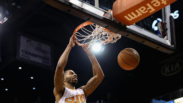 Morris' double-double leads Suns past Raptors