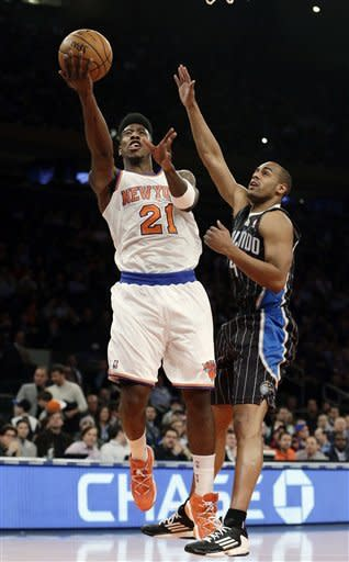 Anthony returns, scores 21 as Knicks beat Magic