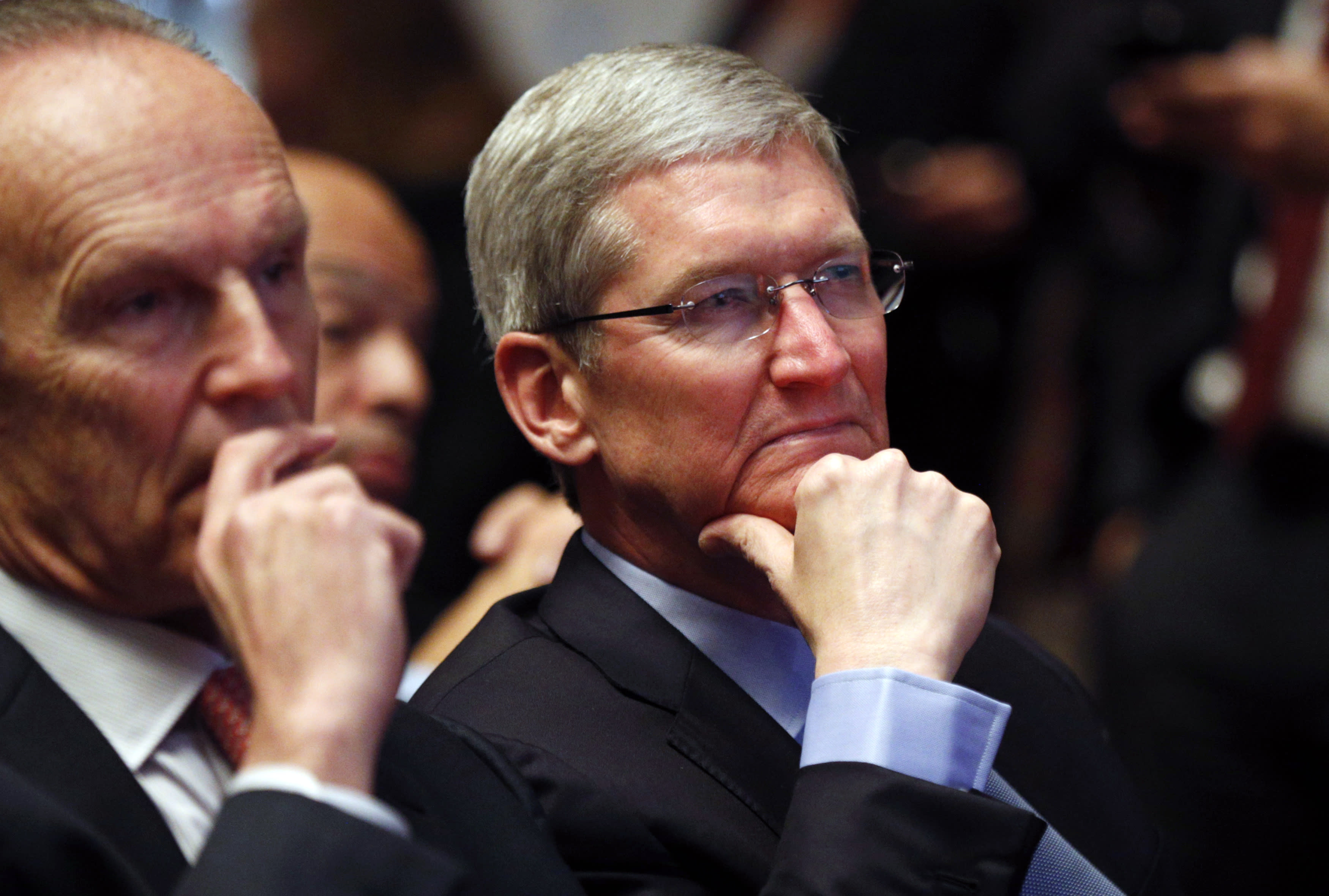CREDIT SUISSE: Apple's newest iPhone is underperforming, but a mini iPhone could save the day