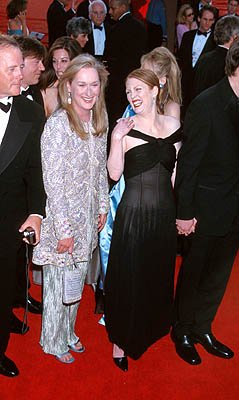 Meryl Streep and Julianne Moore 72nd Annual Academy Awards Los Angeles, CA 3/26/2000
