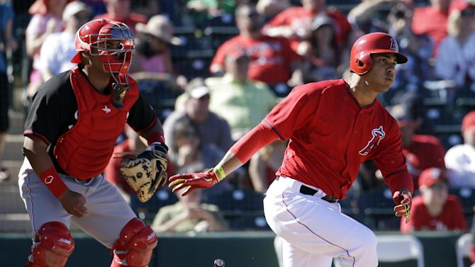 Cueto rebounds, but Angels beat Reds 3-1
