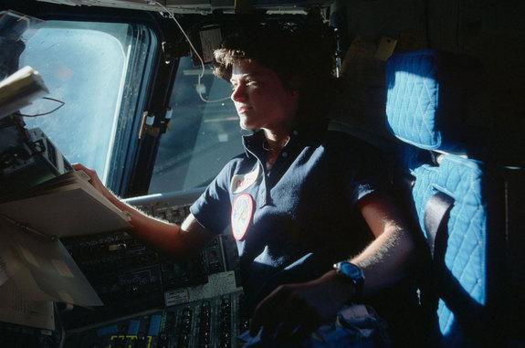 California Senate Votes to Honor Astronaut Sally Ride with Statue in US Capitol