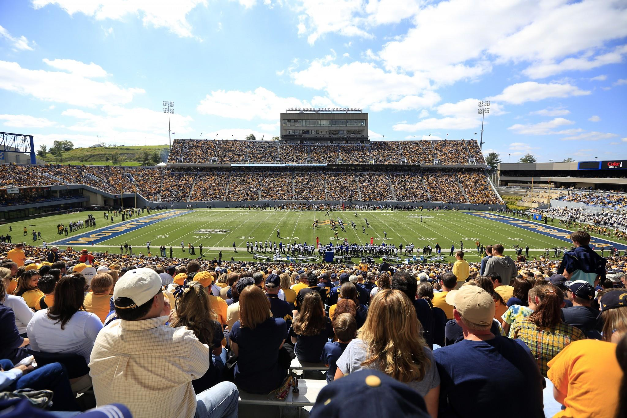 79-year-old with cancer gets to go on field at West Virginia