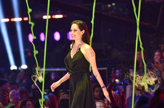Angelina Jolie Avoids Getting Slimed At Kids' Choice Awards