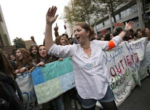 Highschool students demonstrate against the police…