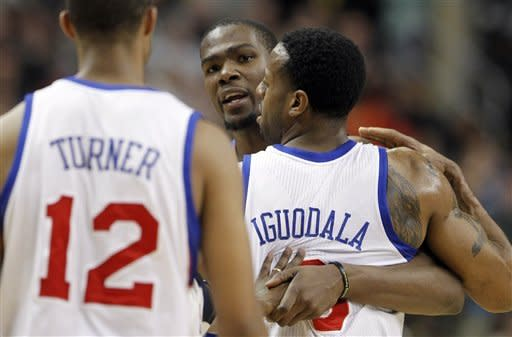 Durant, Westbrook lead Thunder over 76ers 92-88