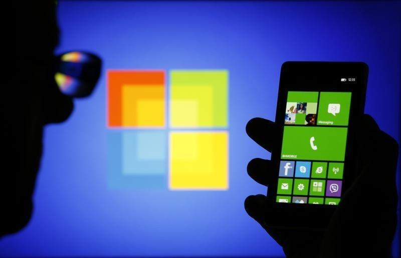 Microsoft unveils touch-friendly Office apps for Windows phones