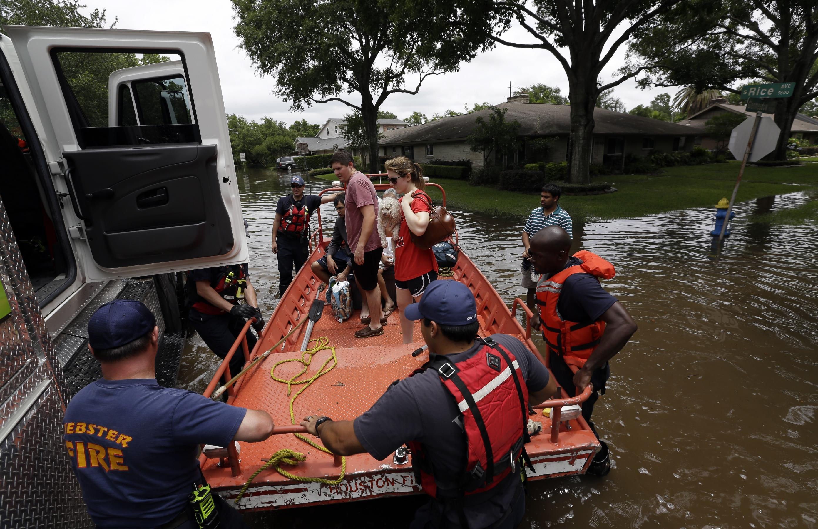 More rain threatens to complicate the cleanup in Houston