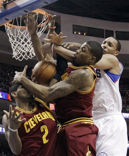 76ers romp in 103-85 win over Cavaliers