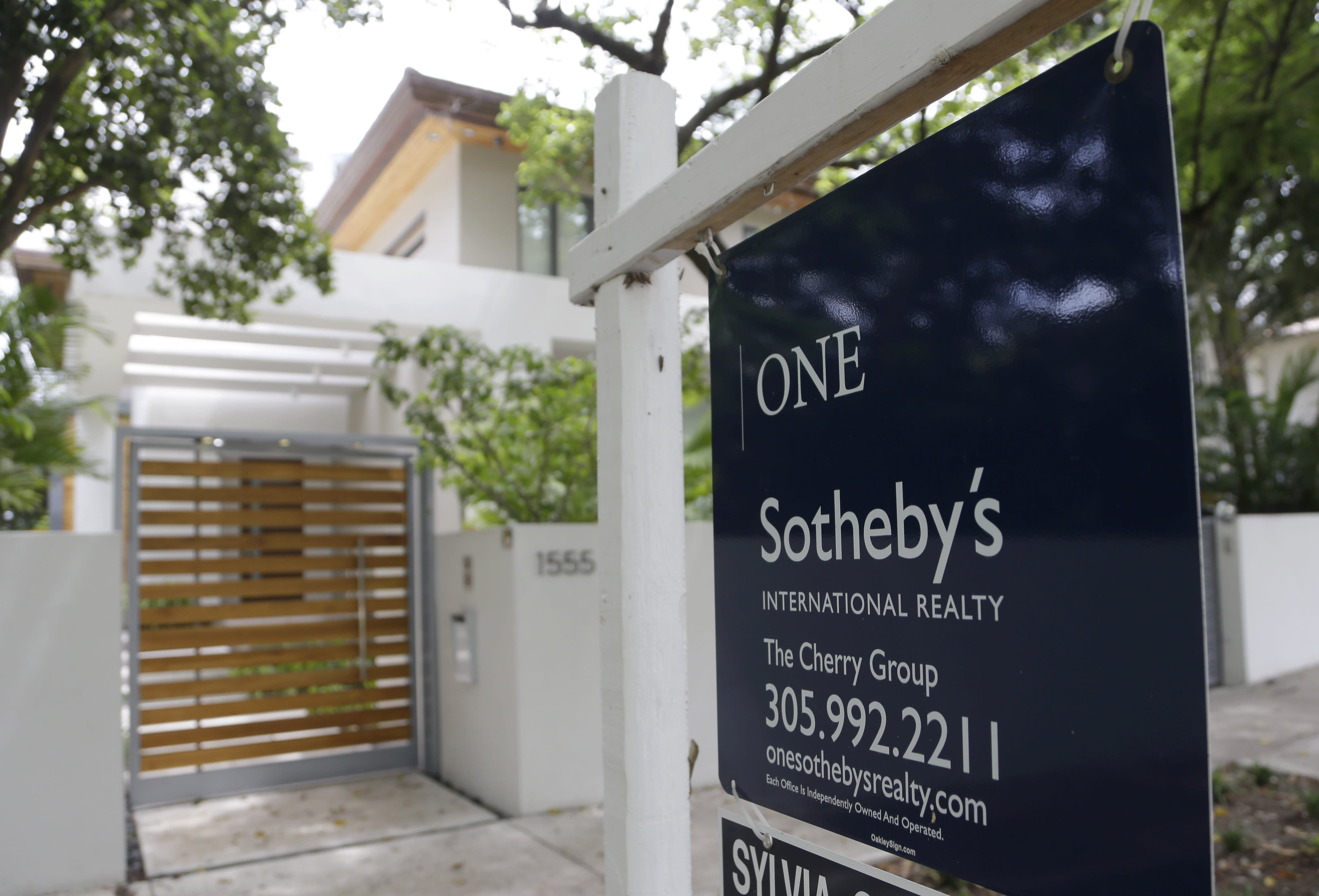 Average US rate on 30-year mortgage rises to 3.89 percent
