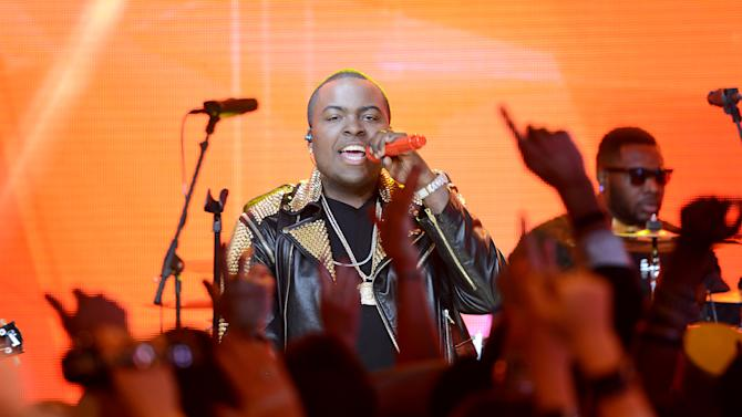 "Sean Kingston performs during ""MTV's Club NYE 2013"" at the MTV Times Square Studios on Monday, Dec. 31, 2012 in New York.(Photo by Scott Gries/Invision for MTV/AP Images)"